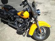 2011 - Harley-Davidson Heritage Softail Yellow